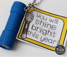 I love this back to school flashlight gift! It is perfect for flashlight Friday in reading! These are super cheap! Great for 1st day of school! Welcome Back To School, Back To School Teacher, 1st Day Of School, Back To School Gifts, Beginning Of School, School Stuff, Classroom Hacks, Future Classroom, Teacher Organization