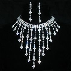Google Image Result for http://richuniquejewelry.com/wp-content/uploads/2012/02/crystal-jewelry.jpg