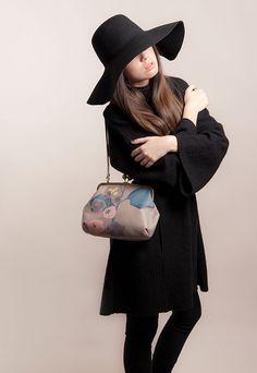 PacaPeca leather bag
