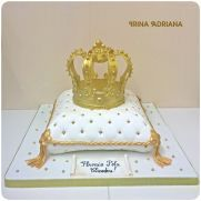 Royal Pillow and Crown Cake Pillow Cakes, Crown Cake, Love Cake, Butter Dish, Cake Decorating, Desserts, Food, Tailgate Desserts, Deserts