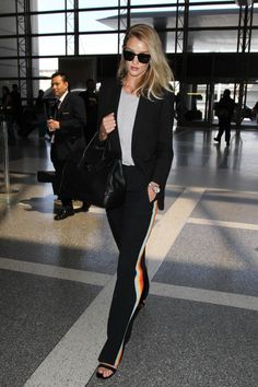 Rosie Huntington-Whiteley is Seen at LAX - Pictures - Zimbio