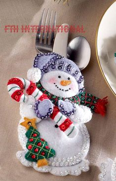 Details about Bucilla Snowman & Penguins ~ Felt Christmas Silverware Holder Kit 6 Pces - Her Crochet Felt Christmas Decorations, Felt Christmas Ornaments, Christmas Snowman, Christmas Stockings, Christmas Bulbs, Silverware Holder, Felt Snowman, Felt Applique, Christmas Traditions