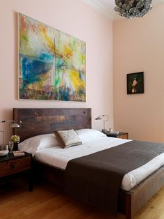 Abstract art adds to bedroom design  - Using Abstract Art in Your Home
