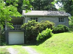 526 Thompson Run Rd., Ross Twp, PA 15237 — An exceptional deal...won't last!!!!!For Free sameday mortgage pre-approval call 888-367-6921