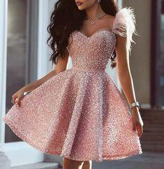 """🍓""""Viste vulgar y sólo verán al vestido. Viste elegante y verán a la mujer."""" ヾ(@^▽^@)ノ"""