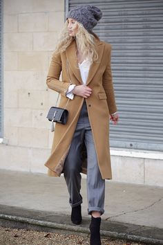 Camel & gray #Winter #fashion #street-style #accessories #hats