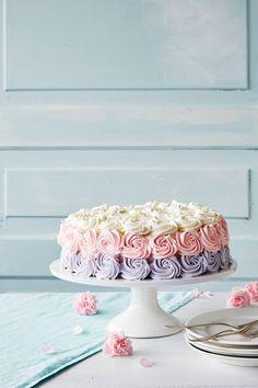 Kuningatartäytekakku | K-ruoka #roosanauha #herkku Avocado Salat, Rose Cake, Piece Of Cakes, Yams, Let Them Eat Cake, Amazing Cakes, Vanilla Cake, Cake Decorating