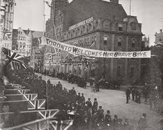 A parade for troops returned from the South African War - Toronto, Canada. Toronto Photos, Cool Photos, Amazing Photos, Mystery Of History, Toronto Canada, Historical Pictures, Troops, Soldiers, Past