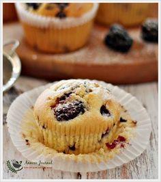 Blackberry Chocolate Chip Cupcakes