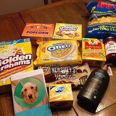 Golden birthday gift bag ideas! #goldenbirthday #goldenbirthdaygifts #goldenbirthdaygiftbasket
