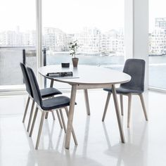SM 20 Table without extension, with SM 92 Chairs Dining Table Chairs, Table Legs, Elegant Table, Scandinavian Modern, Modern Furniture, Living Room, Room Ideas, Nordic Style, Presentation