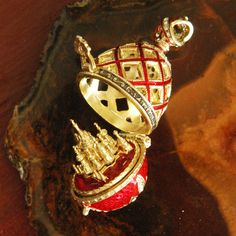 Faberge Style Egg Pendant (Locket with St Basil Cathedral) - Click Image to Close