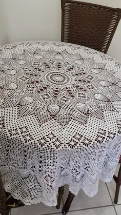 Toca do tricot e crochet: Toalha de mesa redonda em crochet !