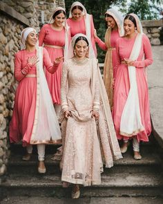 If you are the bride-to-be and looking for some amazing and epic bride entry ideas for your big day, you have hit the right space! From simple and sophisticated bride entry ideas to a cool dhamakedar entry - here's some of our handpicked fav's. Sikh Wedding Dress, Indian Bridesmaid Dresses, Bridesmaid Poses, Bridesmaid Outfit, Indian Wedding Outfits, Brides And Bridesmaids, Indian Outfits, Indian Wedding Bridesmaids, Bridesmaid Pictures