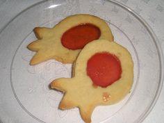 עוגיות רימון - כשיש לי זמן פנוי... וגם כשאין (-; - תפוז בלוגים Art For Kids, Crafts For Kids, Arts And Crafts, Yom Kippur, Pomegranates, Rosh Hashanah, Persephone, Apple Recipes, Holiday Crafts