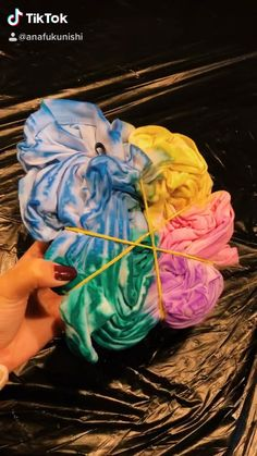 Camisa Tie Dye, Cute Tie Dye Shirts, Tie Day, Tie Dye Crafts, Tie Dye Fashion, Tie Dye Patterns, Diy Projects To Try, Diys, Arts And Crafts
