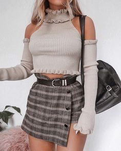Image uploaded by Find images and videos about style, outfit and casual outfit on We Heart It - the app to get lost in what you love. Girly Outfits, Trendy Outfits, Fall Outfits, Cute Outfits, Fashion Outfits, Womens Fashion, Fashion Trends, 90s Fashion, Streetwear Mode