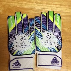 Youth UEFA Champions League Adidas Goalie Gloves NWOT Youth UEFA CHAMPIONS LEAGUE ADIDAS GOALIE GLOVES Adidas Accessories Gloves & Mittens