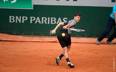 #Theim #DominicTheim #Tennis #FrenchOpen2016 Dominic Thiem with seemingly effortless style, returning to Spaniard Guillermo Garcia-Lopez. The Austrian 13th seed dominated in three sets, 7-5, 6-4, 7-6.