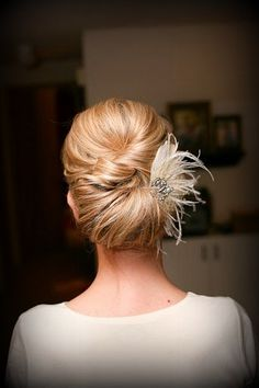 Feather and  Rhinestone Vintage Jewelry Bridal Hair Comb -  Elegant and Budget Friendly