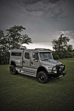 freightliner sportchassis 4x4 truck 3