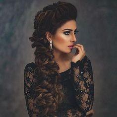 Top Pakistani Actresses who love to wear Black Dress in 2020 color of Pakistani Actresses who wear special black dress. Many Pakistani Actress who were Black. Prettiest Celebrities, Prettiest Actresses, Beautiful Actresses, Pakistani Dresses Casual, Pakistani Dress Design, Casual Dresses, Beautiful Black Dresses, Girls Dp Stylish, Ayeza Khan