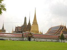 Exploring the Grandiose Temples of Bangkok, Thailand in under a Day - http://www.adventureseeker.org/travel-journals/exploring-grandiose-temples-bangkok-thailand-day/