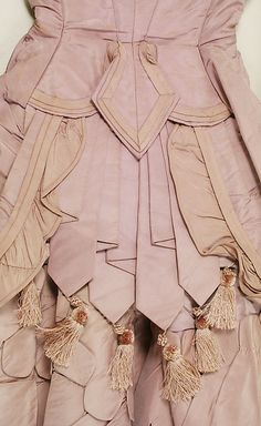 c. 1871 American silk dress, light pink, detail Amazing details.
