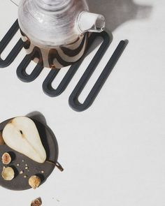 MENU SS18 | Kettle Teapots and the Wawe Trivet