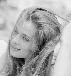 Nastassja Kinski, Daenerys Targaryen, Game Of Thrones Characters, Fictional Characters, Beautiful, Women, Fantasy Characters, Woman