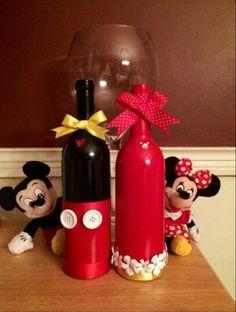 centro de mesa Minnie feito com garrafa de vidro