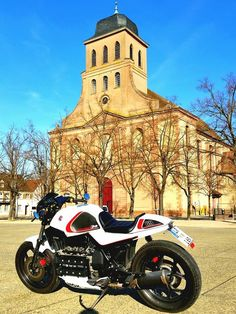 Modifications bike is a very pleasant thing in the automotive world, many around us who like modifications to be made to the spectacle of many materials. Bmw Motorcycles, Vintage Motorcycles, Custom Motorcycles, Custom Bikes, Moto Cafe, Cafe Bike, Cafe Racer Bikes, Cafe Racers, Retro Bikes