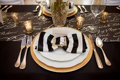Perfect mix of girly and glam! Black and gold bow for winter wedding. Old hollywood glamour!