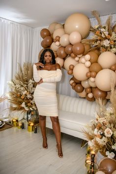 33rd Birthday, Birthday Brunch, 30th Birthday Parties, Birthday Dinners, 18th Birthday Celebration Ideas, 25th Birthday Ideas For Her, Birthday Event Ideas, Birthday Balloon Decorations, Birthday Balloons