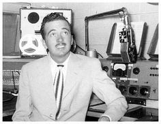 The Tennessee Earnie Ford Show,  ABC, CBS, 1952-1955. Country singer Ernie Ford was first heard in a 75-minute afternoon disc jockey program in 1952-1953, broadcast in separate 30- and 45-minute segments. After being off the air for a year, he returned in 1954 with a 30-minute musical variety program heard five times weekly in the early evening. Music was by Cliffie Stone and the announcer was Jack Narz. The program moved to NBC television at the end of the year.