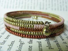 Memory wire bracelet. Beads: size 11/0  Measurement: One size fits most - 4 complete loops.
