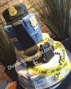 Police Officer Birthday Custom Cake  http://www.divinedzinesweets.com