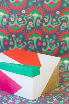 DIY: color blocked gift boxes