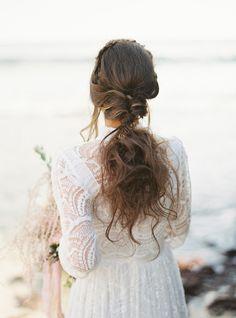Ethereal and Unique Beach Bridal Looks Headpiece Wedding, Bridal Headpieces, Bridal Looks, Bridal Style, Provence Wedding, Lake Como Wedding, Beach Wedding Inspiration, Bridal Sash, Italy Wedding