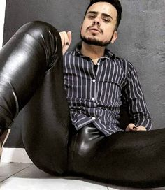 Tight Leather Pants, Mens Leather Pants, Men's Leather, Leather Fashion, Mens Fashion, Mens Leotard, Leder Outfits, Mens Tights, Hommes Sexy