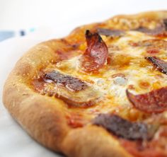 Chorizo, Candied Bacon, Caramelized Onion, and Mushroom Pizza by EvilShenanigans, via Flickr