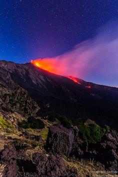 Sicilia Etna Notte di stelle, notte di fuoco   #TuscanyAgriturismoGiratola