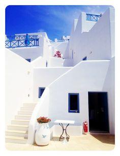 Absolute Bliss Hotel in Santorini, Greece