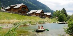 Bergchalet in traumhafter Lage - Kärnten Österreich Cabin, House Styles, Chalets, National Forest, Cottage House, Horseback Riding, Cabins, Cottage, Wooden Houses