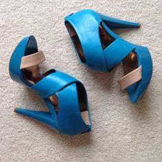Carlos Santana Shoes Electric blue platform heels. Never worn!! Perfect condition--NWOT! Carlos Santana Shoes Heels
