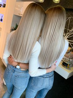 Hair Ponytail Styles, Ponytail Hairstyles, Cute Hairstyles, Straight Hairstyles, Long Hair Styles, Dyed Blonde Hair, Blonde Balayage, Balayage Straight, Champagne Blonde