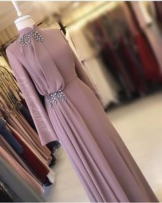 Fashion Dresses Formal Chic Source by fashion muslim Hijab Evening Dress, Hijab Dress Party, Hijab Style Dress, Party Wear Dresses, Evening Dresses, Hijab Gown, Abaya Style, Prom Dresses Long With Sleeves, Modest Dresses