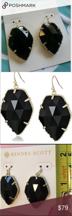 💖SALE💖Kendra Scott Corley Black Earrings BNWT super cute earrings. They are black and gold. Perfect for all your round. Get them just in time for fall. Kendra Scott Jewelry Earrings