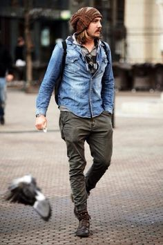 How to wear: grey horizontal striped hoodie, light blue denim shirt, charcoal jeans, dark brown leather casual boots Hipster Outfits, Komplette Outfits, Hipster Fashion, Fashion Outfits, Fashion Ideas, Hipster Clothing, Dope Fashion, Fashion Trends, Rugged Style