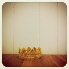 bunch collective crown $15